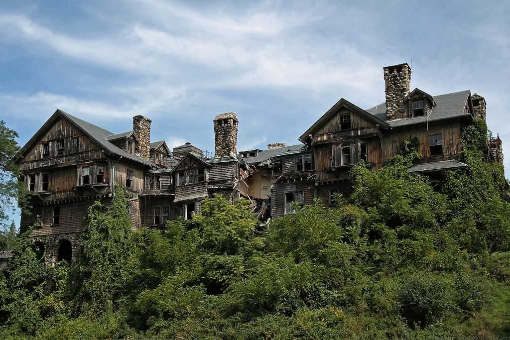 25 Abandoned Places That Feel Like You're In Another World. Bittersweet Beyond Words.