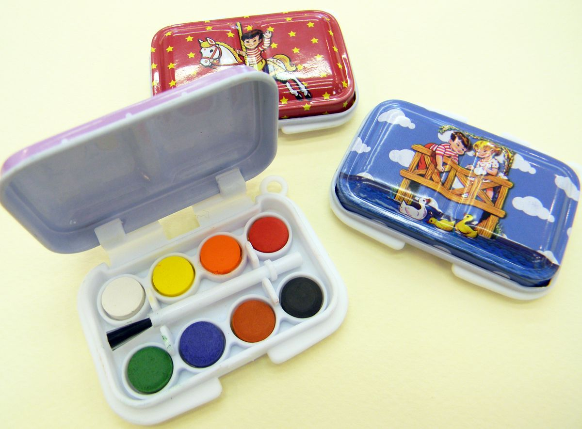 Derwent Academy Watercolour Painting Pans Tin With Paintbrush And