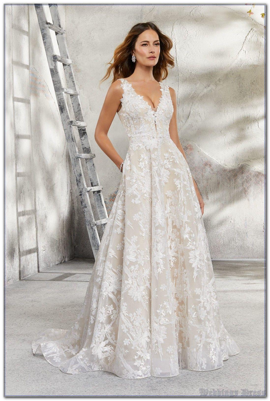 Why Weddings Dress Succeeds