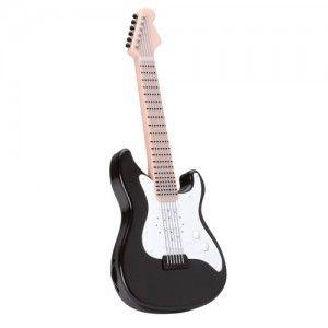 cadeau radio baladeur guitare marque la chaise longue une petite radio en forme de guitare. Black Bedroom Furniture Sets. Home Design Ideas