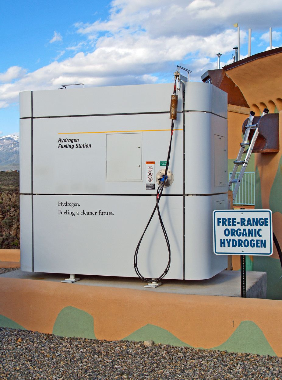 Finding better ways to get hydrogen fuel from water