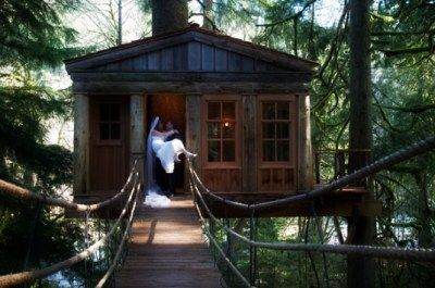 Speaking of Offbeat Bride, let's talk about getting married in a tree house.