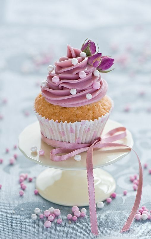 Lilac Cupcakes and Ribbon