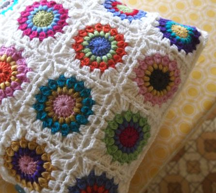 Starburst Crochet Cushion For The Caravan Crotchet Mania For Mom
