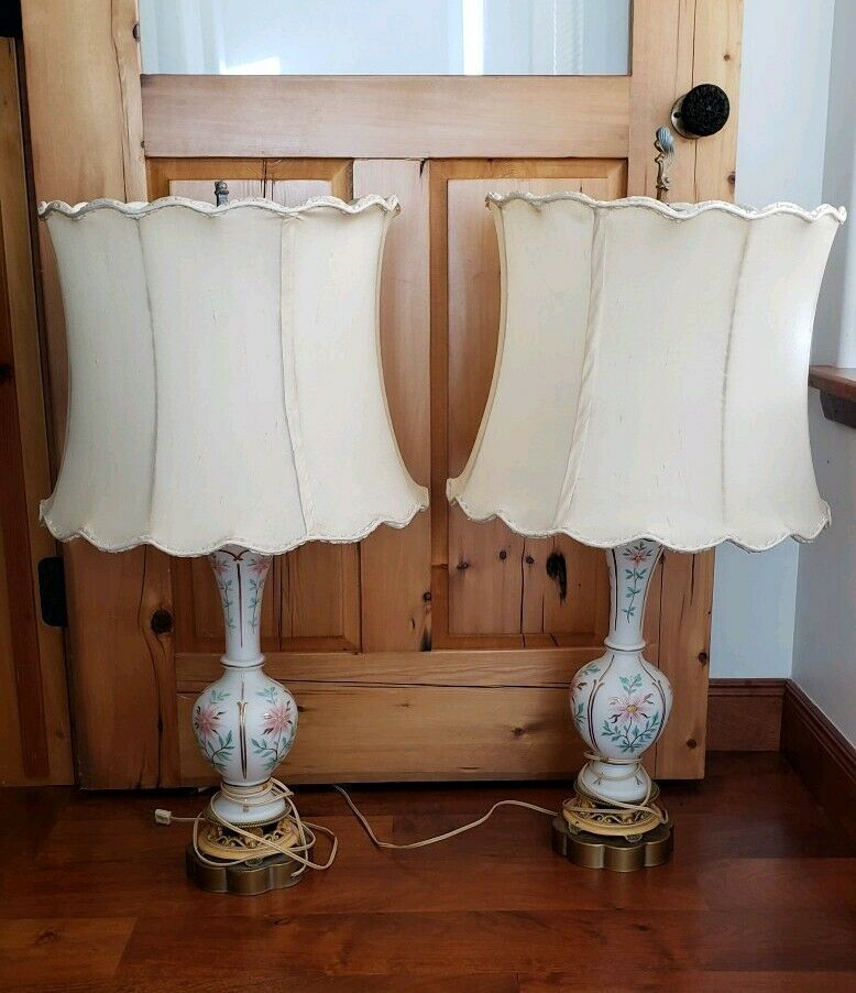 Details About Vintage Hand Painted Floral White Porcelain Table Lamp W Shade And Base 35 In 2020 White Lamp Base White Lamp Shade Vintage Table Lamp