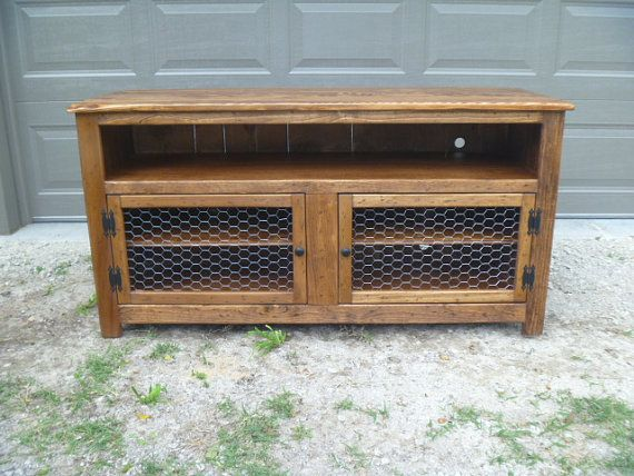 Rustic Pallet TV Stand Enclosed Back, Chicken Wire Doors, Sideboard,  Reclaimed Wood,