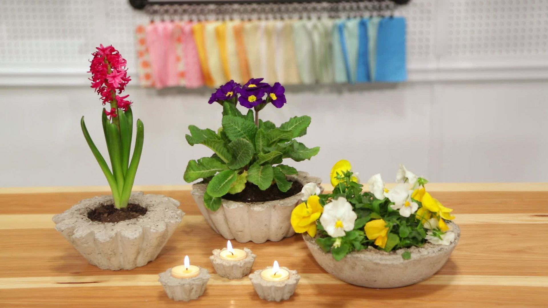 Marianne Canada uses an old bowl to make a decorative concrete planter. Get everything you need to make thiscraft here