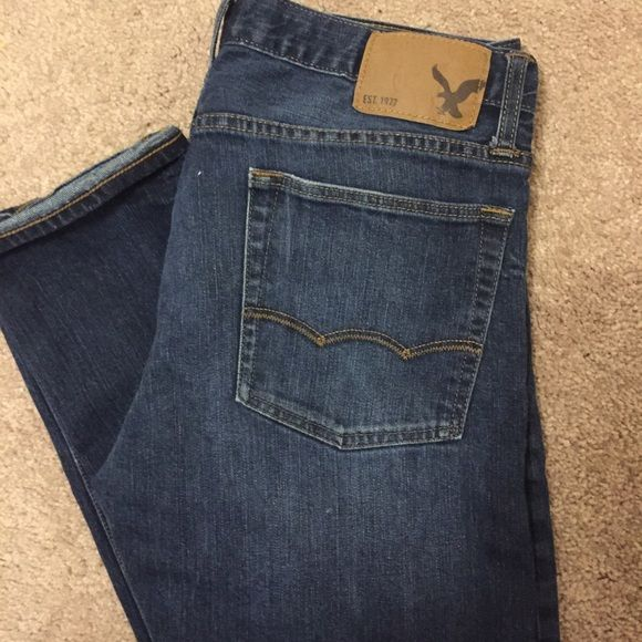 American eagle jeans slim fit. 32/30 Worn a handful of times. Just doesn't fit my husband anymore. American Eagle Outfitters Jeans