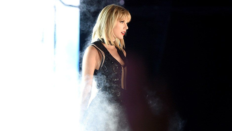 Taylor Swift Plays A Calvin Harris Song Parties With Katy