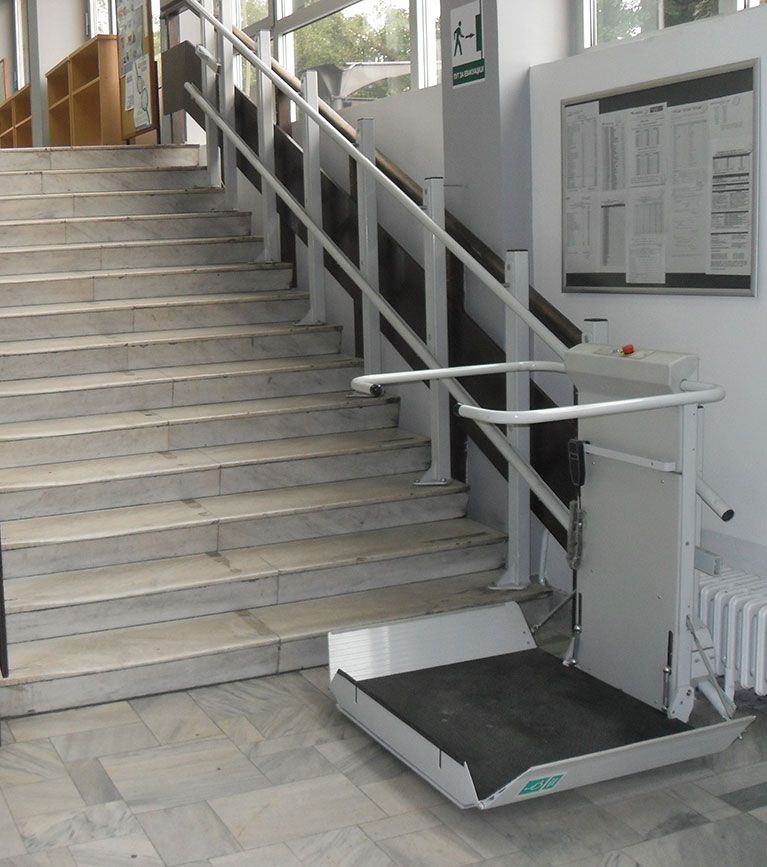 S7 SR Inclined Platform Stair Lift > Straight Staircase