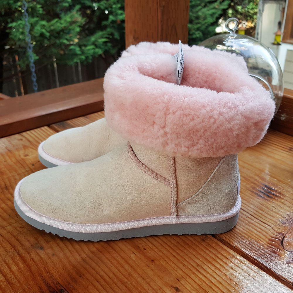 551a8deb34c Women's UGG Boots Size 5 #fashion #clothing #shoes #accessories ...