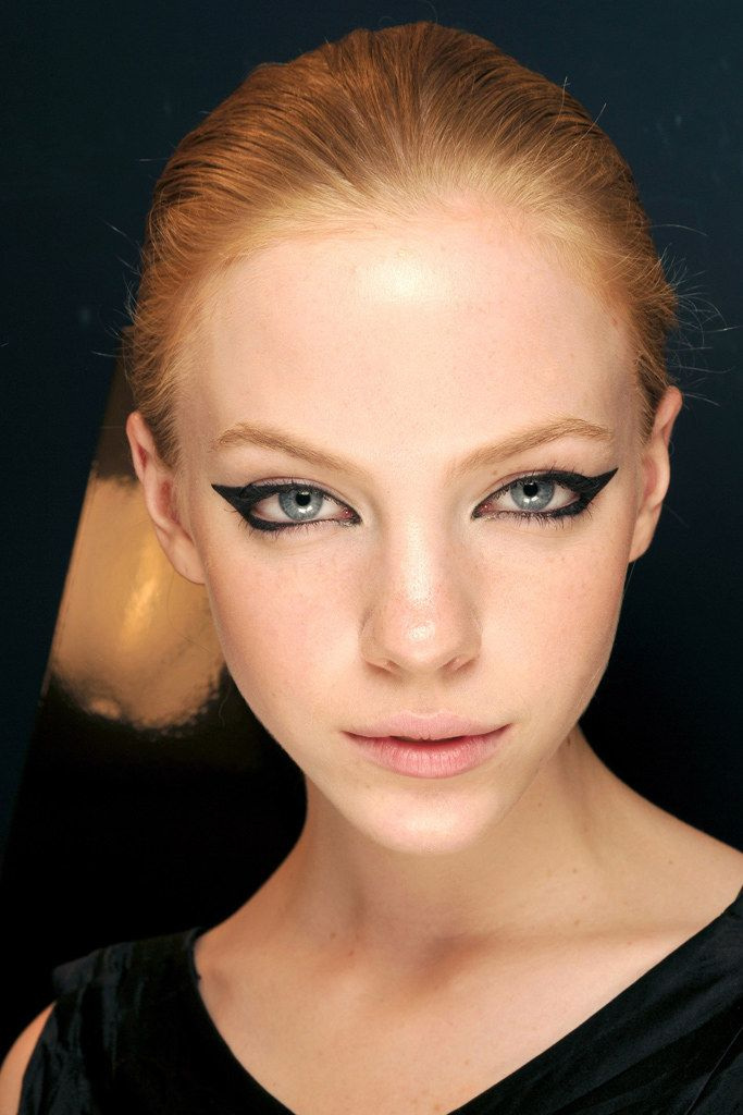 Chanel Fall 2009 Couture Fashion Show Beauty