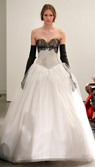 See Vera Wang\'s New Wedding Dress Collection: 17 Black and White ...