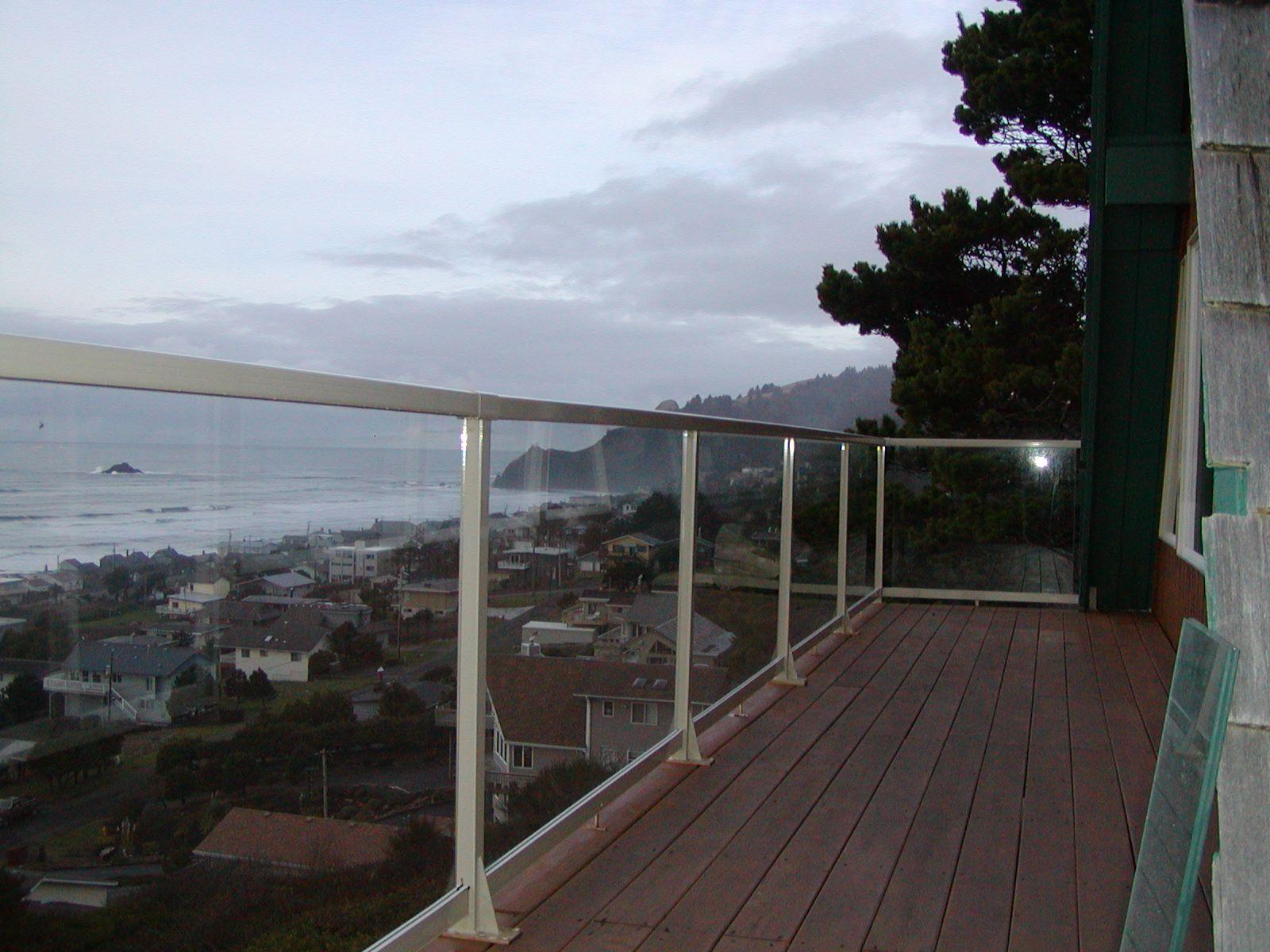 Best Clear Glass Railing 4 Home Stairways Railings 400 x 300