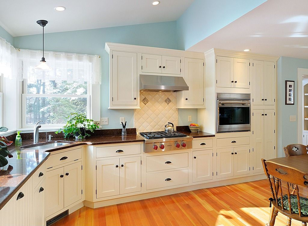 Cottage Kitchen - Find more amazing designs on Zillow Digs ...