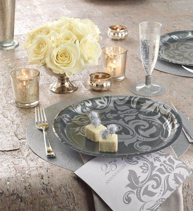 25 a os aniversario de bodas decoraci n estilo vintage - Decoraciones en color plata ...