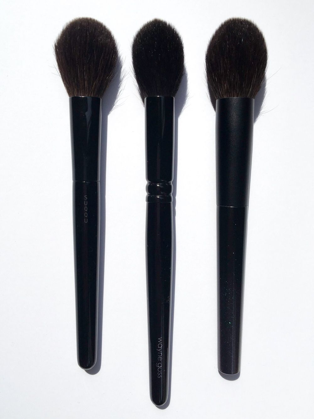 Oct 10 Brush Comparison: Suqqu Cheek Brush, Wayne Goss 02