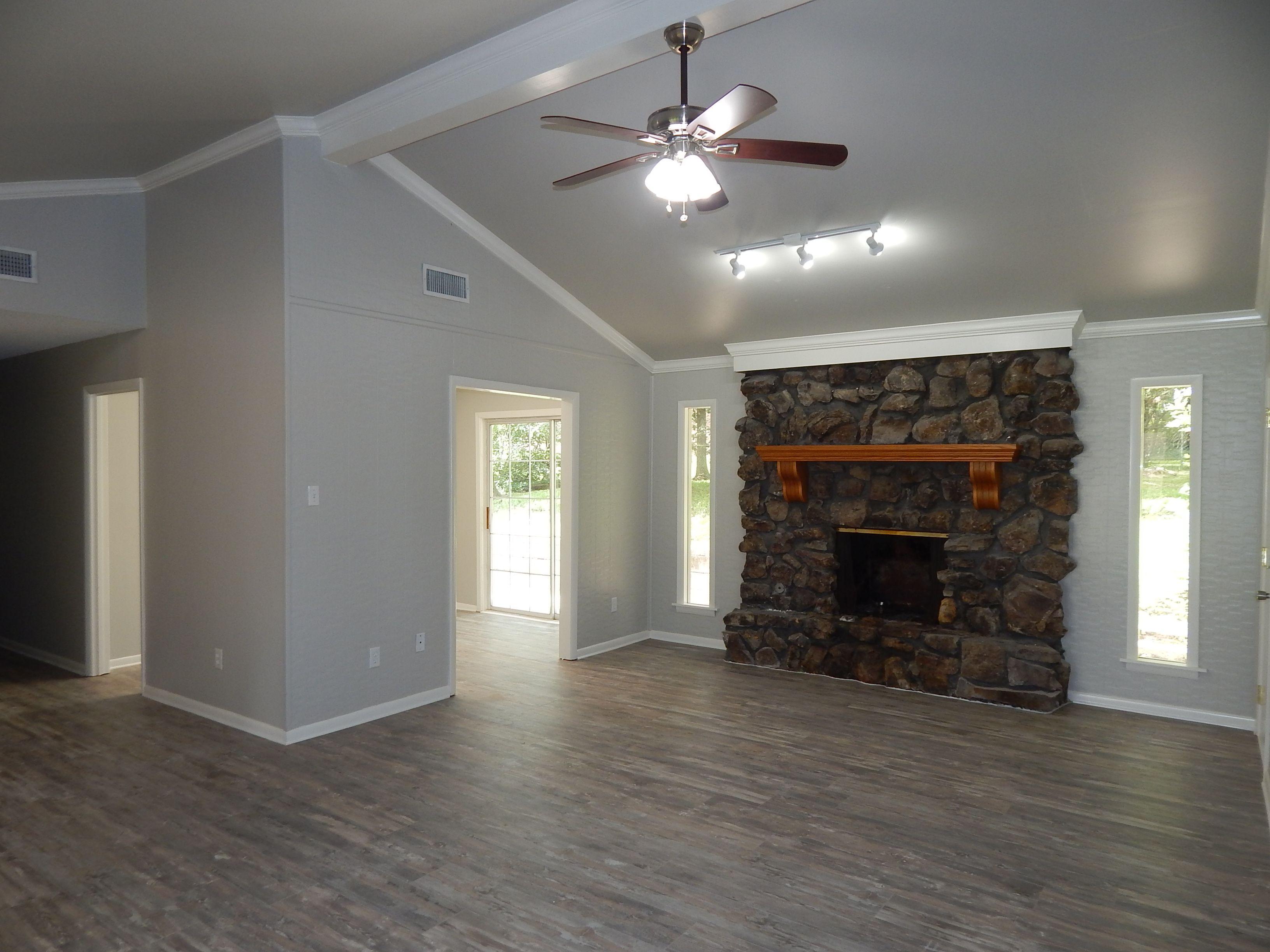 Floors Kronoswiss Noblesse Historic Oak 8mm Walls Sherwin Williams Repose Gray Sw 7015