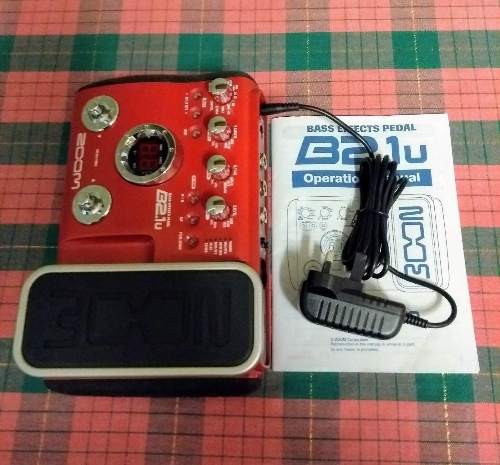 Guitar Effects Pedal, Zoom B2 1u Bass Effects Console Pedal, Red