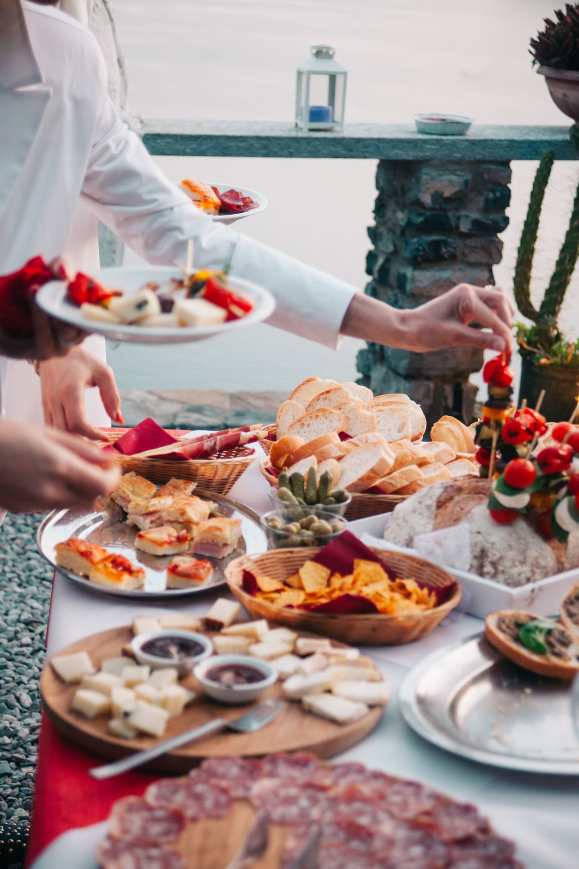 How much does wedding catering cost wedding catering