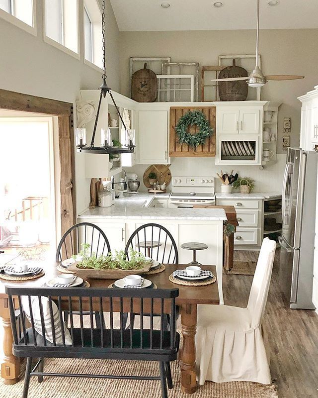 Cute little kitchen and dining space - #cabin #Cute #Dining #Kitchen #Space #farmhousediningroom