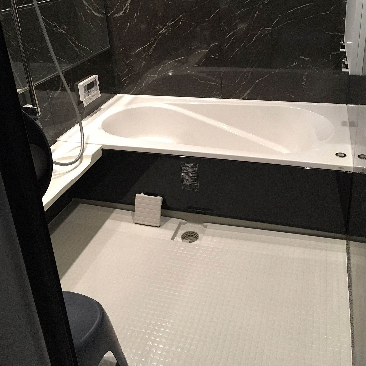 バス トイレ ブラックストーン Lixil リクシル お掃除記録のインテリア