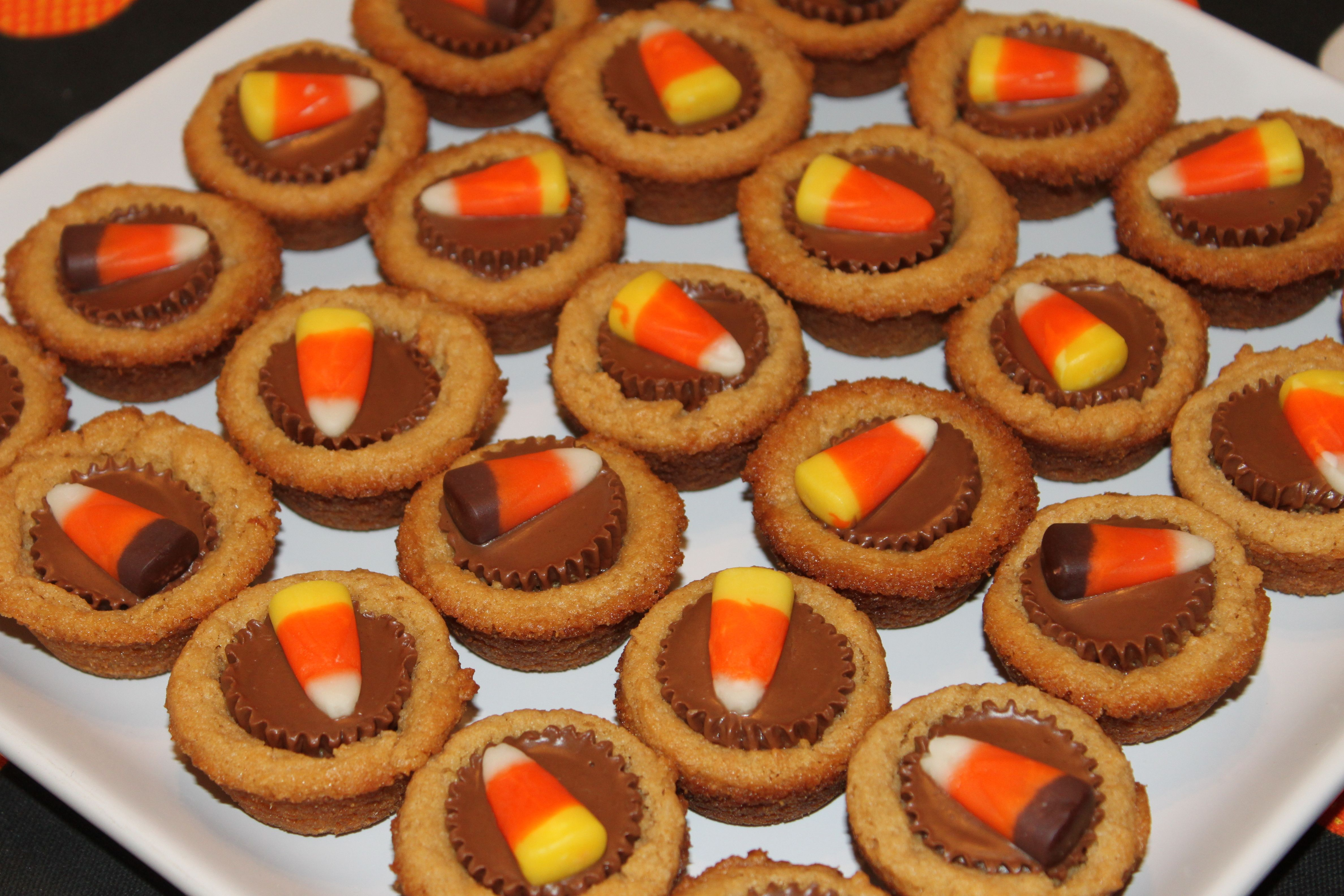 halloween food here is a super simple and super delicious halloween treat idea that