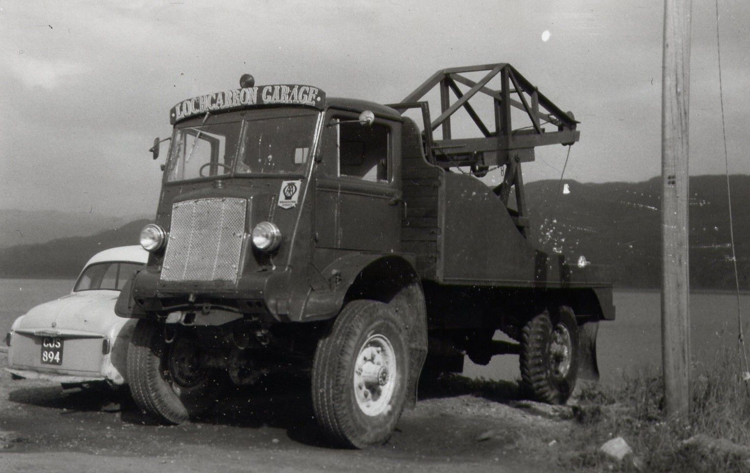 A Bedford QL from WWII demobbed in tow truck. | Gas Stations & Tow ...