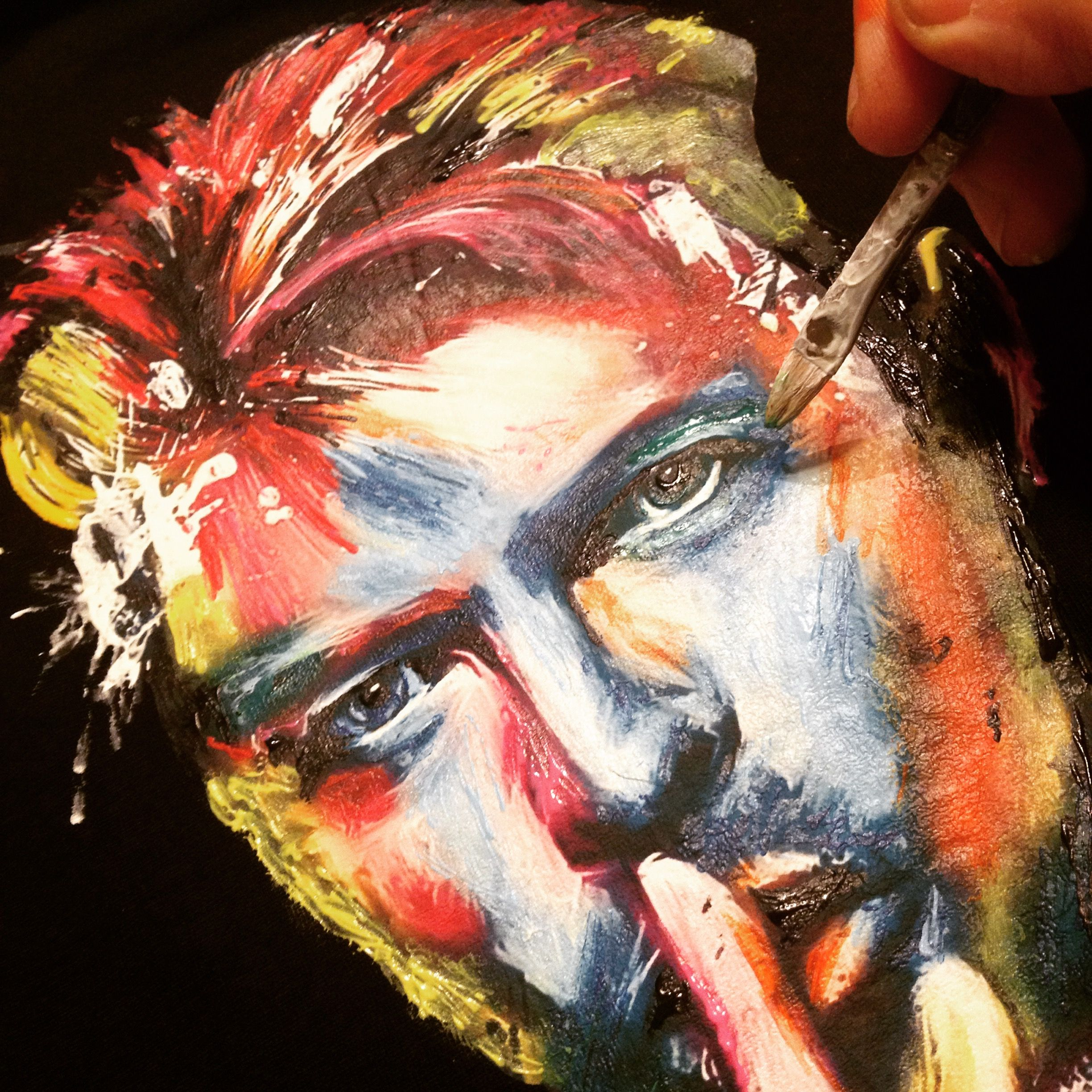 I'm painting David Bowie's tshirt with my 3d water colors