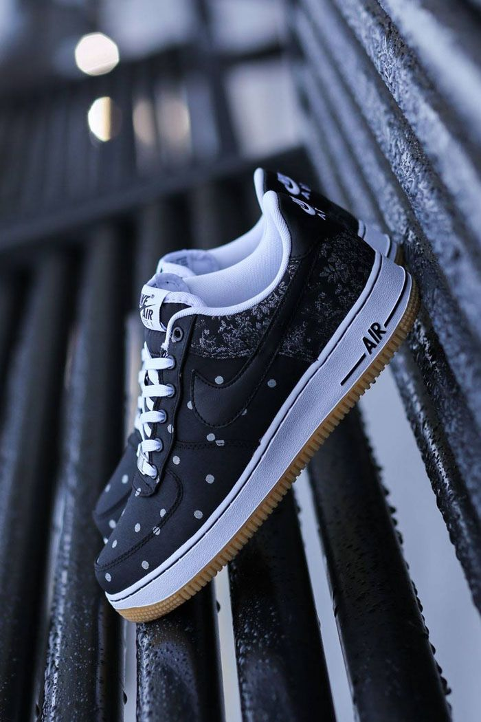 los angeles ad210 4a529 Nike Air Force 1 Polka Dot × Paisley