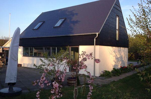 Modern, light family home - 2 mins from beach, 30 mins from Copenhagen