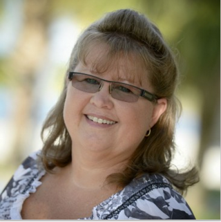 Learn how robotic surgery helped Lora with her rare complication of colorectal surgery. She is now b