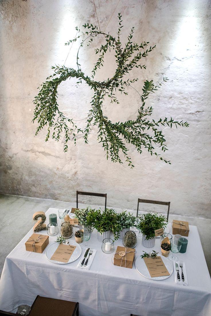 Photo of DIY floral wreath for urban greenery table decoration | Wedding blog The little wedding corner