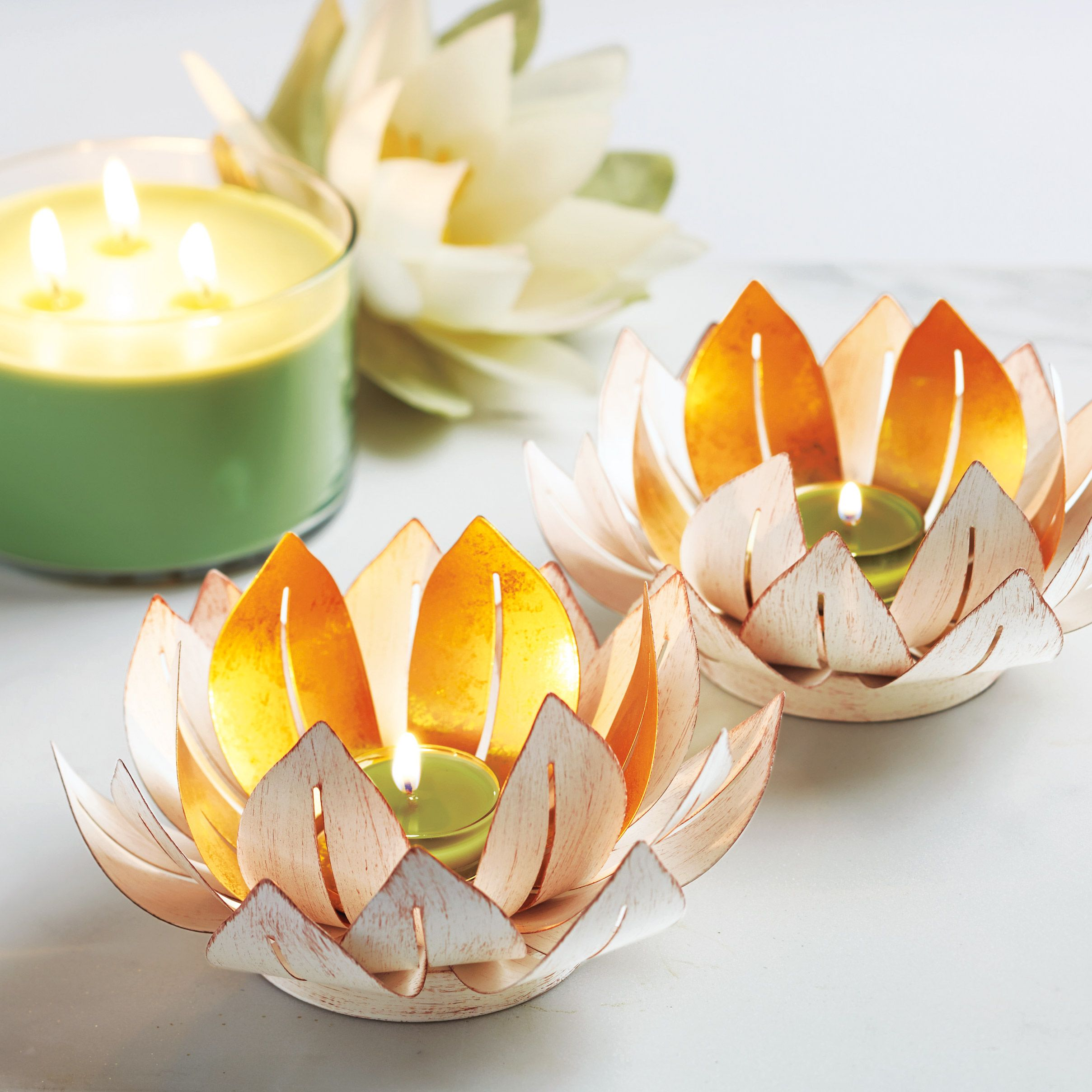 Exclusive designs you'll only find at PartyLite! #partylite #candles #decoration #cocktails #drinkit