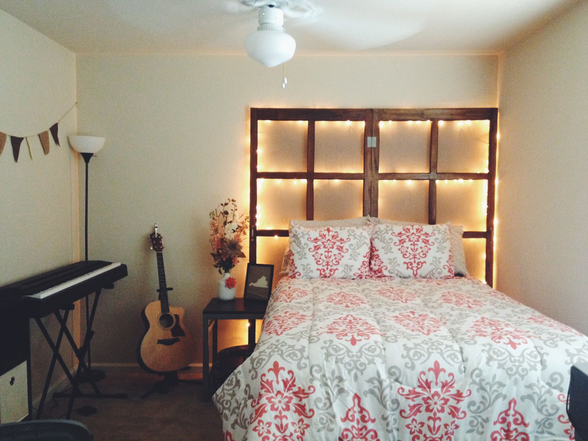 Apartment Living Headboard Made Out Of Old Screen Doors Diy