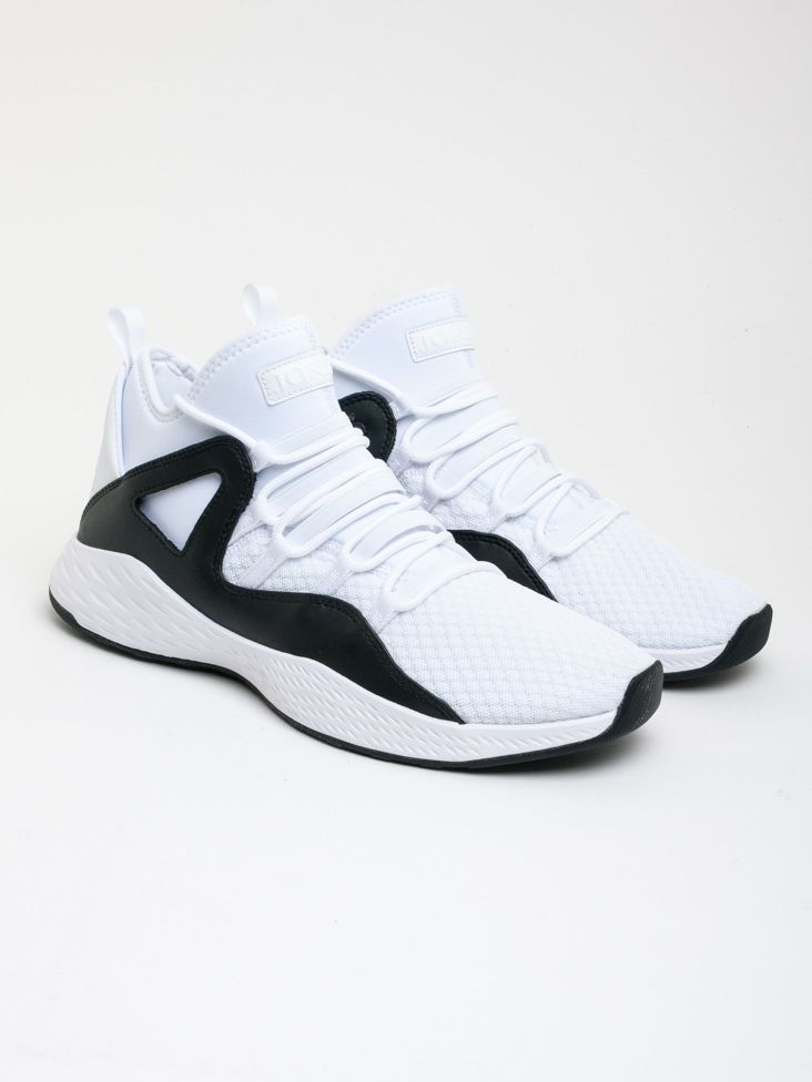 hot sales 34e61 440b3 Scopri Sneakers alte Nike Jordan Formula 23 Nike Jordan. Approfitta delle  migliori offerte Streetwear e Sneakers e Acquista Online su Moveshop.it!