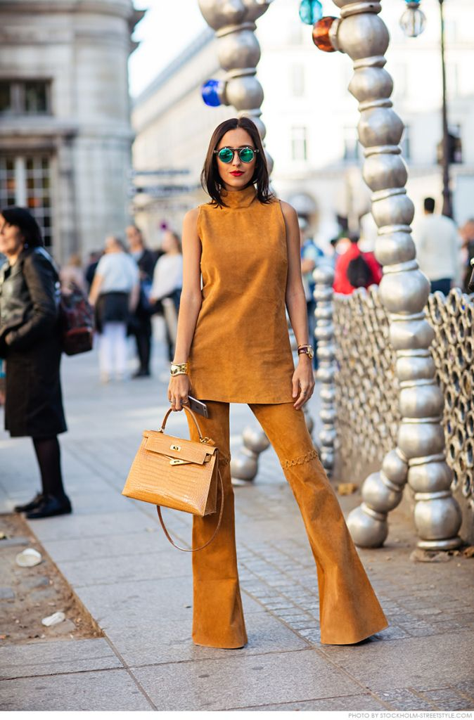 womens-fashion-ideas-one-color-seventies-flared-pants-chic-sunglasses