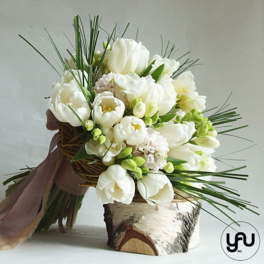 Buchet Flori Albe Lalele Zambile Frezii цветок Bouquet Floral и
