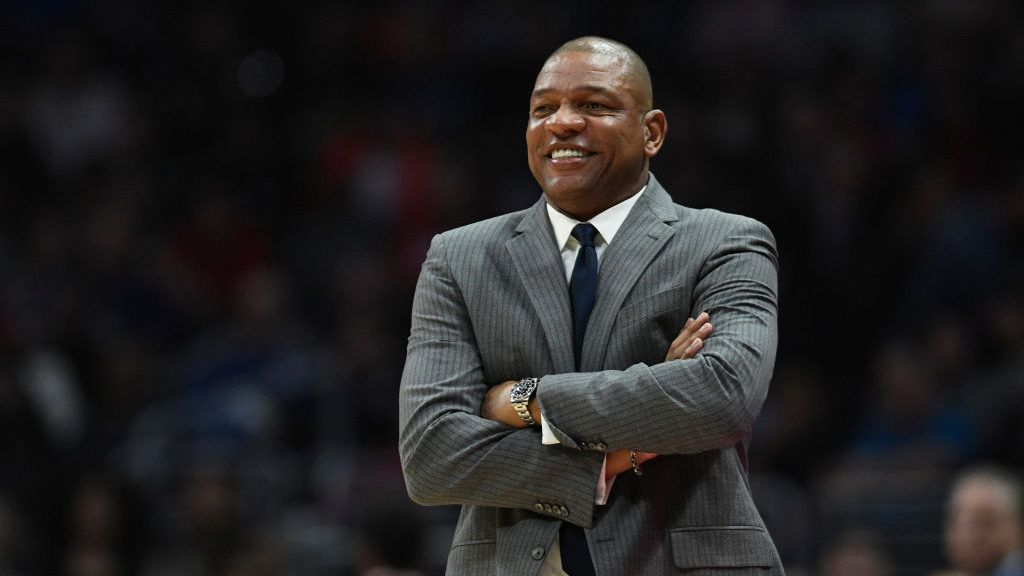 L A Clippers Coach Doc Rivers Selling L A Compound For 11 9m Doc Rivers Hamptons Style Homes Celebrity Real Estate