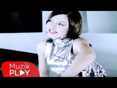 Ebru Gundes Sensizim Official Video Youtube Muzik Videolar Sarkilar
