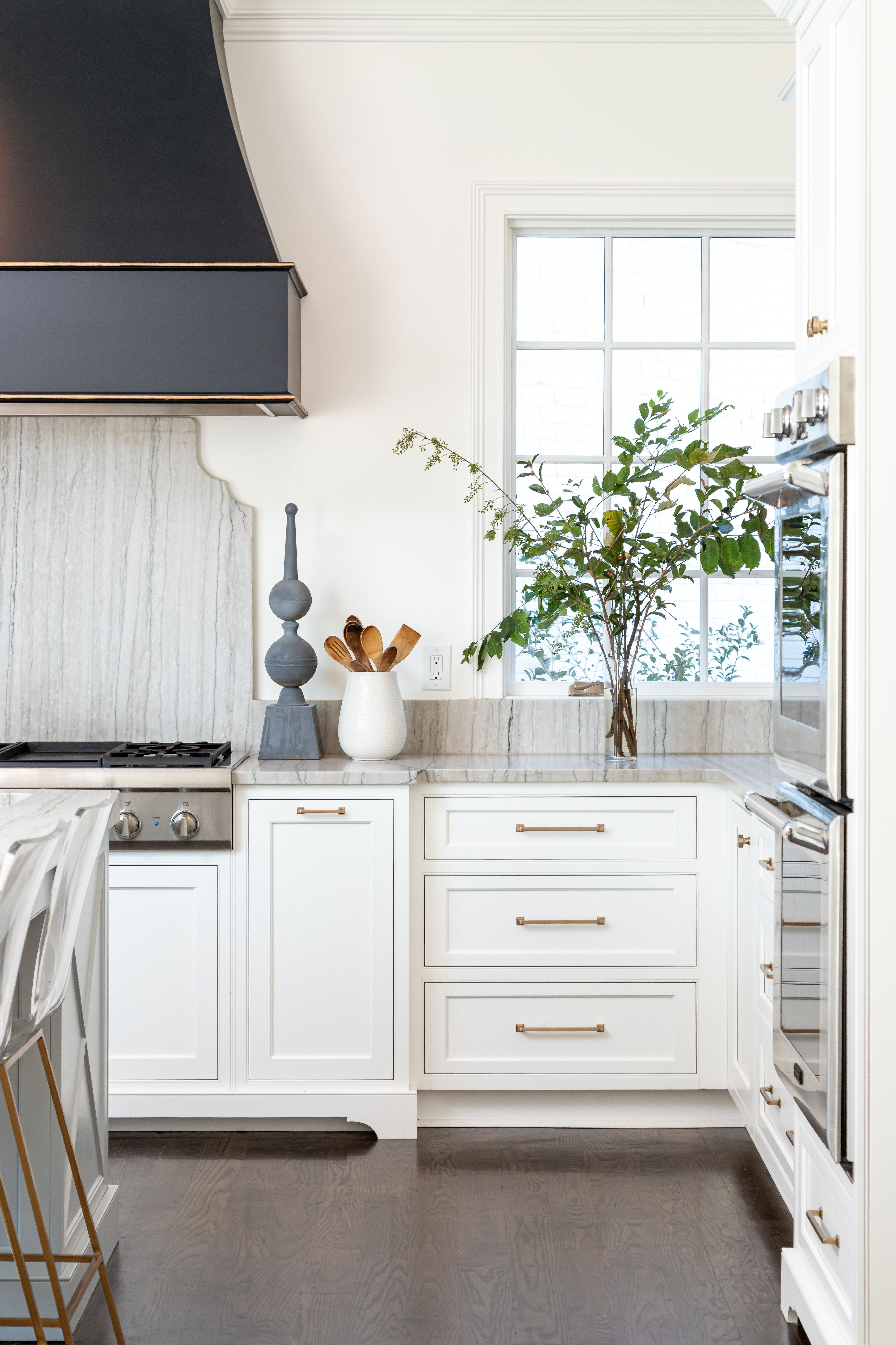 White Beaded Inset Kitchen With French Swoop Hood Home Kitchens Home Decor Kitchen Kitchen Interior