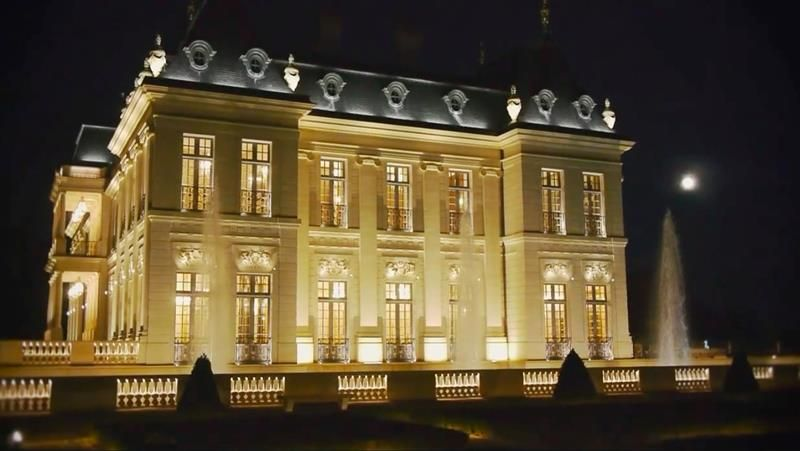 12 photos of the stunning 300 million chateau louis xiv 12