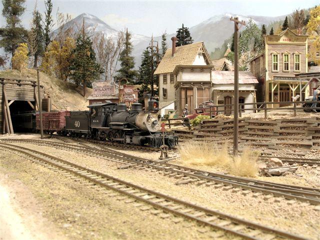 Rooms: Narrow Gauge HO Railroad In Colorado