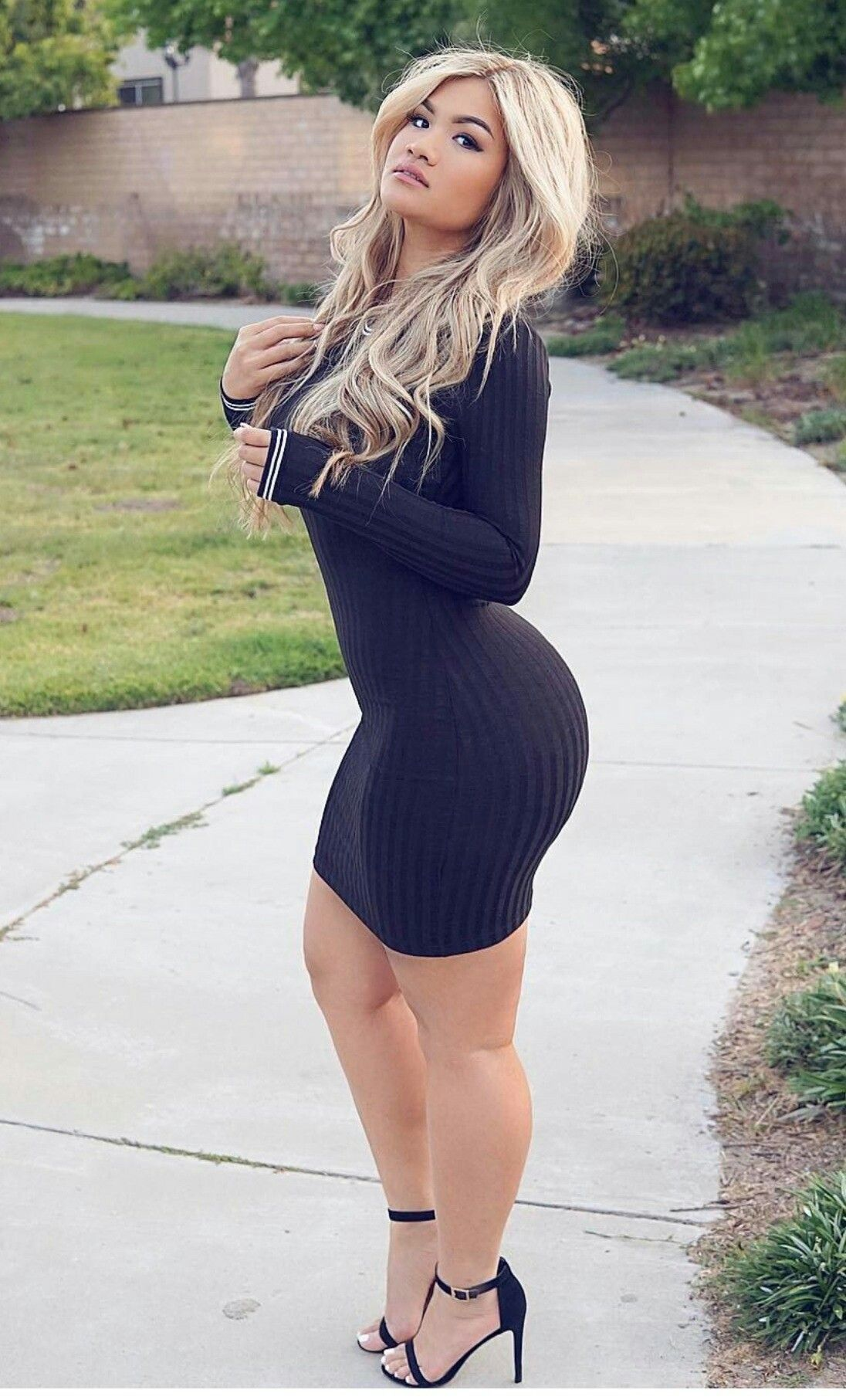 Lateysha Grace Shows Off Curvy Posterior In Tight Dress Days After Minidress Split