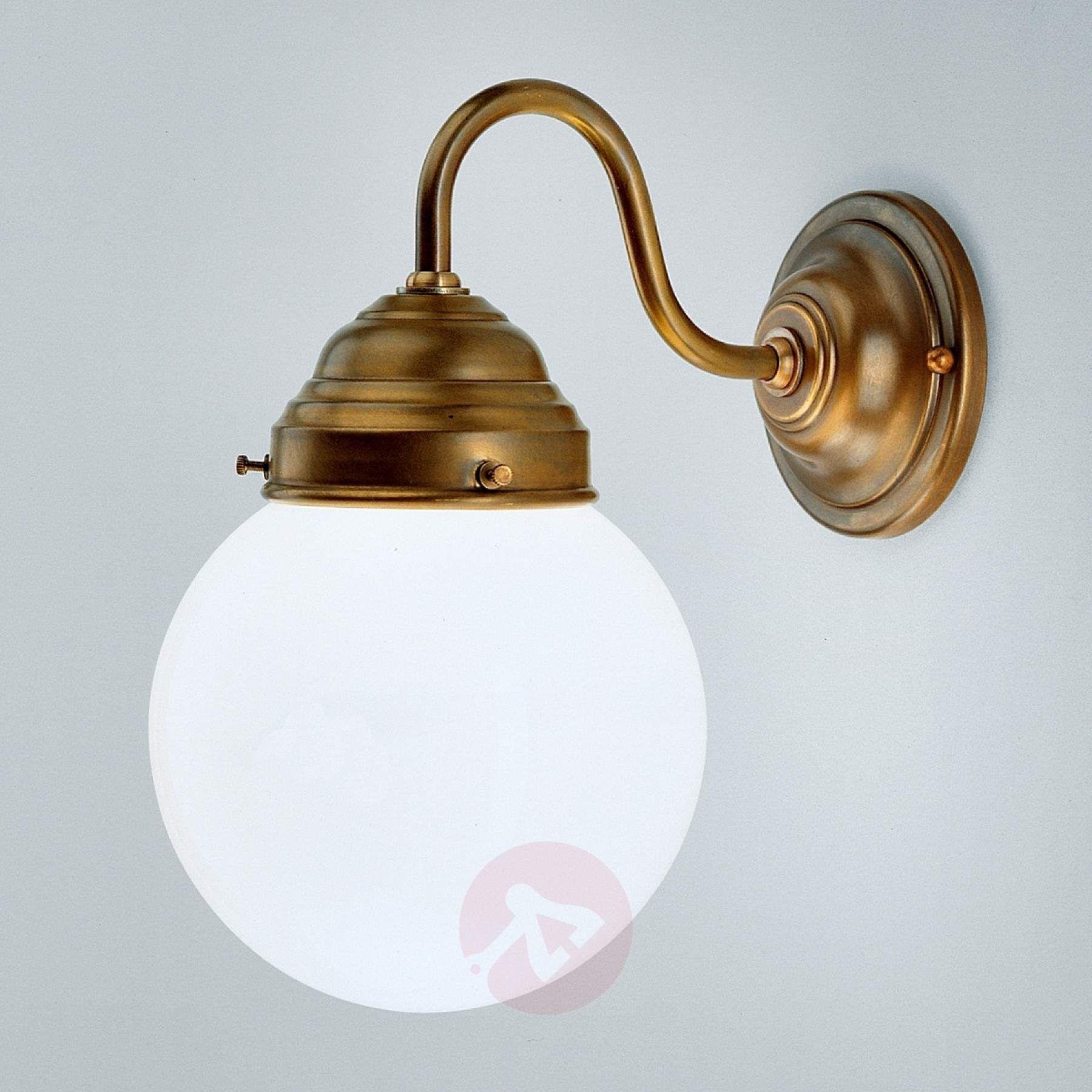 Væglampen Larry af messing | Væglampe, Vægbelysning, Lampe