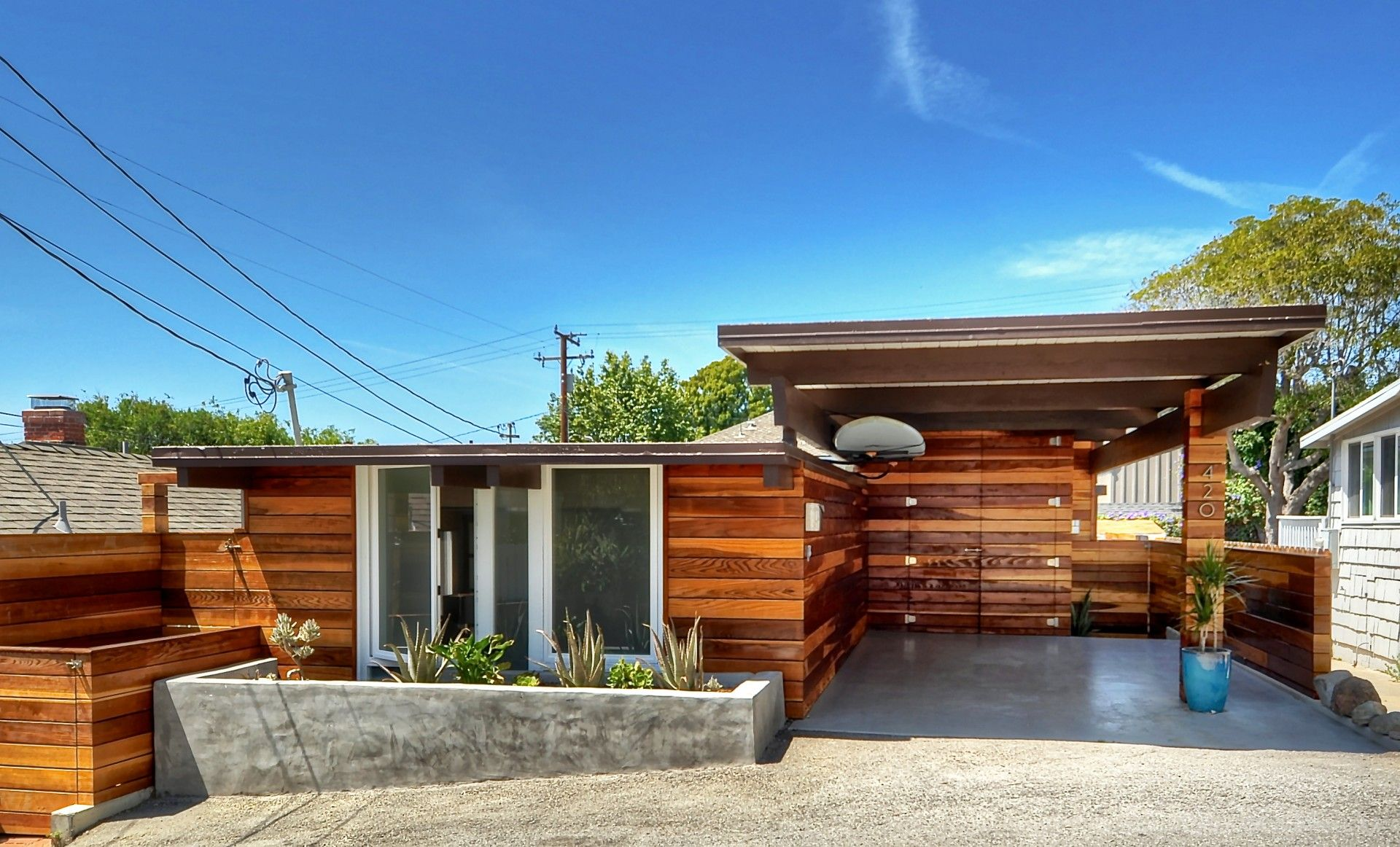 Modern Architecture Beach House exterior redwood siding, midcentury modern architecture, concrete