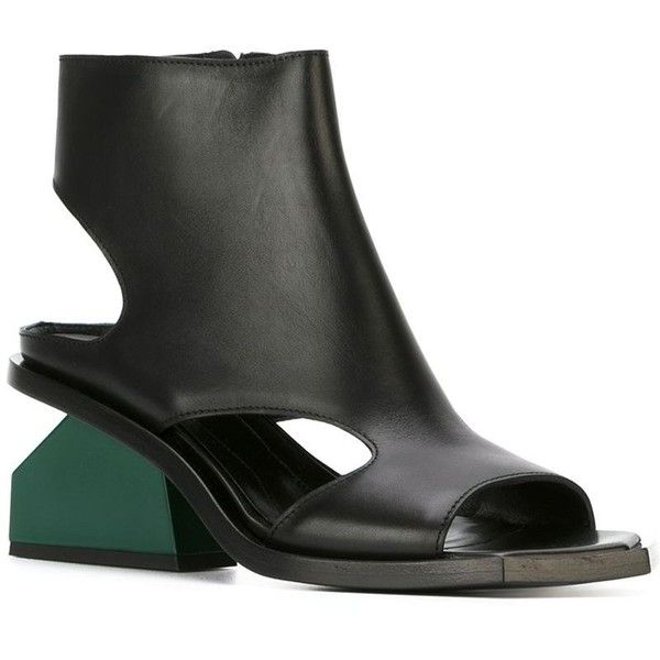 Marni block heel sandals (€845) ❤ liked on Polyvore featuring shoes, sandals, black block-heel sandals, black leather sandals, leather sandals, block heel shoes and leather heeled sandals