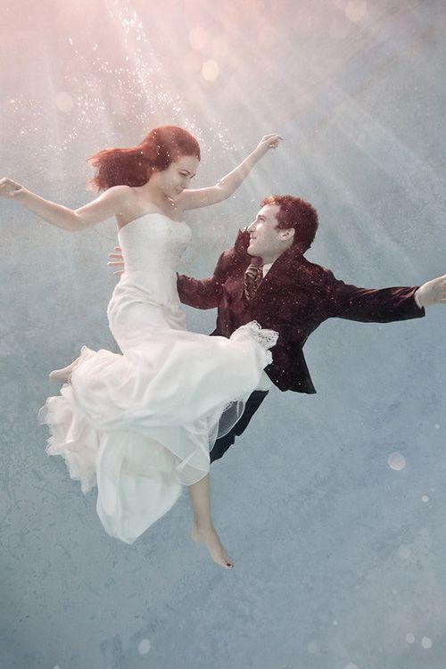 Underwater bridal shoot