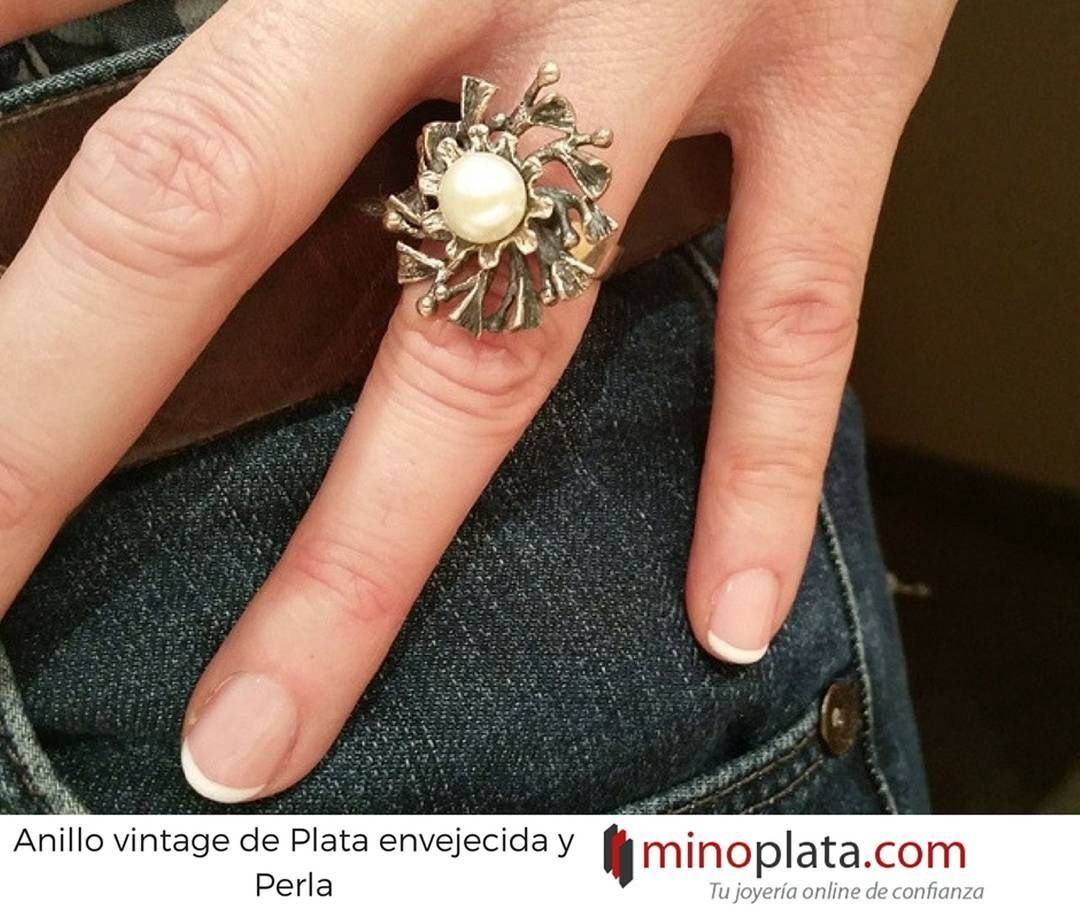 Tienes un evento especial? Te recomendamos esta original Sortija de Plata envejecida con Perla perfecta para tí si adoras las joyas vintage... Su precio: 53  Entrega en 24 horas Más detalles: http://ift.tt/2ohIH1I  #anillo #anillos #anillosplata #anillodeplata #anillomujer #anillodepedida #anillosvintage #plata #boda #celebracion #evento #fiesta #regalo #vintage #joyasclasicas #joyasdeplata #joyeria #joyeriaonline #minoplata