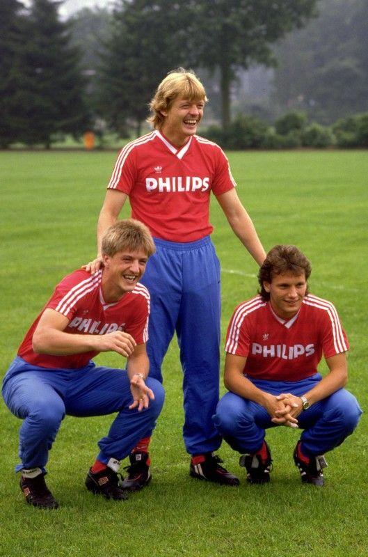 Wim Kieft Soren Lerby Et Hans Gilhaus Psv Eindhoven Football Players Squad Photos Team Photos